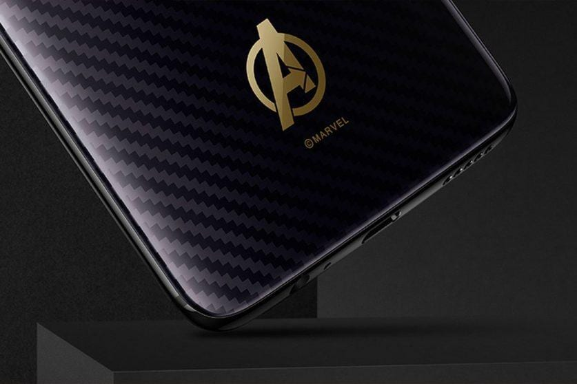 Ecco i primi render dell'edizione speciale di OnePlus 6 dedicata agli Avengers