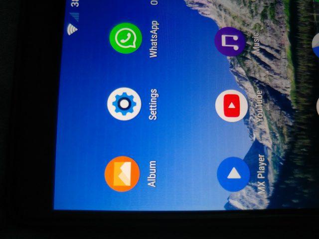 Sony ammette i problemi al display di Xperia XZ1, ma non è un malfunzionamento