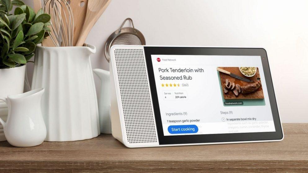 Il Lenovo Smart Display, presentato durante il CES di Las Vegas e che ha visto il suo debutto sul mercato in questi giorni