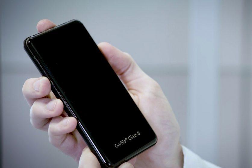 Corning presenta Gorilla Glass 6: pronto a proteggere i vostri smartphone