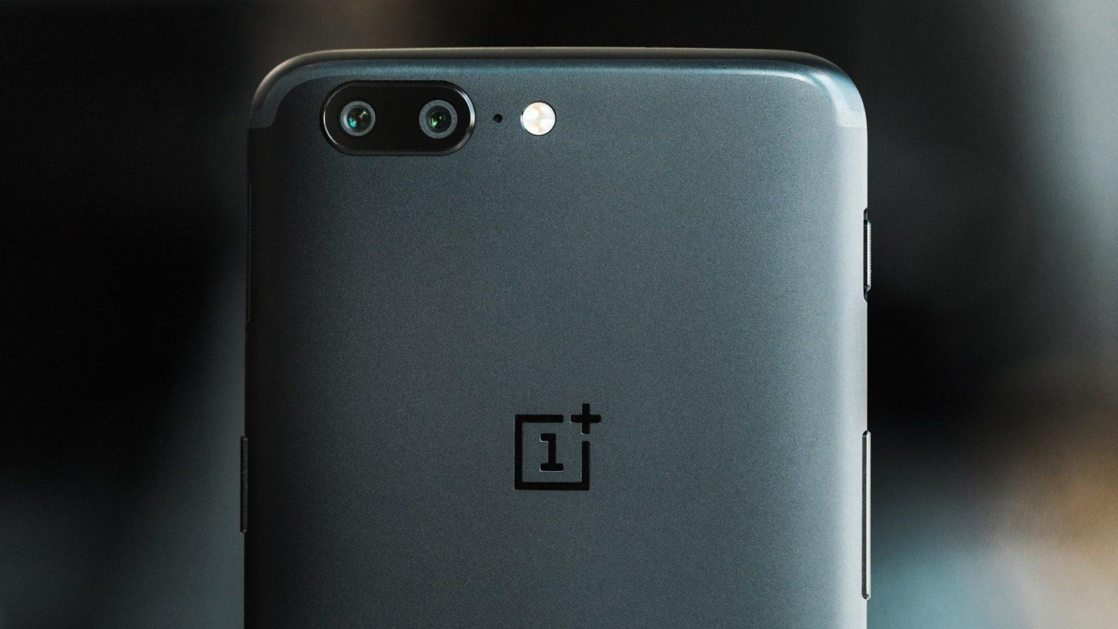 OnePlus 5 e 5T: con la nuova beta arriva la modalità ritratto sulla fotocamera anteriore
