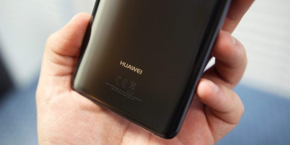 Huawei Mate e Mate 20 Pro: eccoli nelle loro cover ufficiali