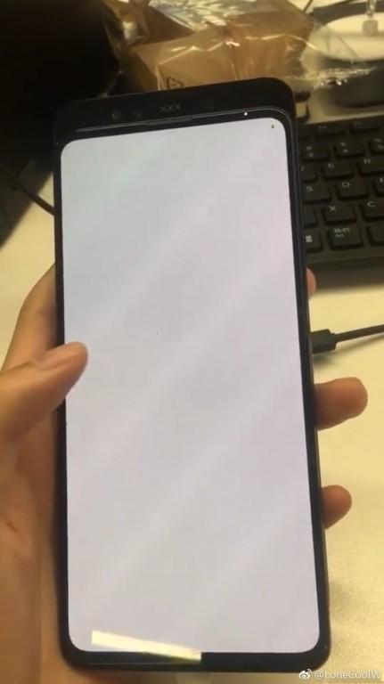 L'attesissimo Xiaomi Mi Mix 3 si mostra in nuove foto dal vivo