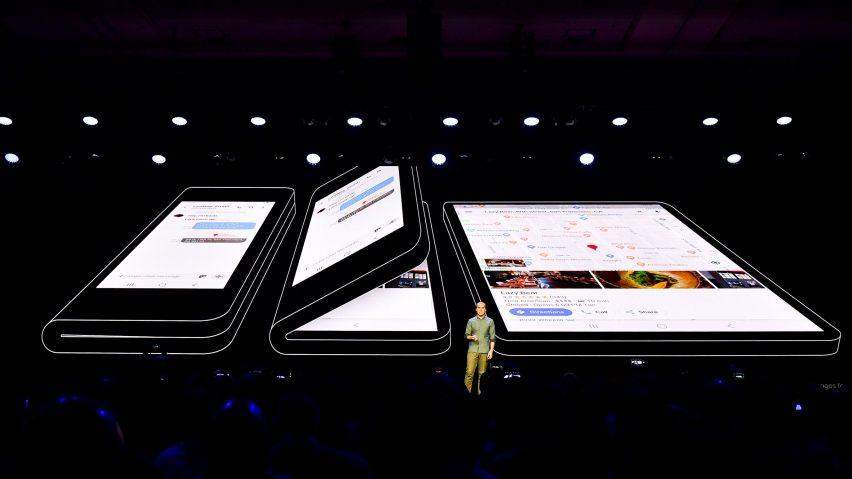 Il display flessibile di Samsung può raggiungere tre dimensioni differenti
