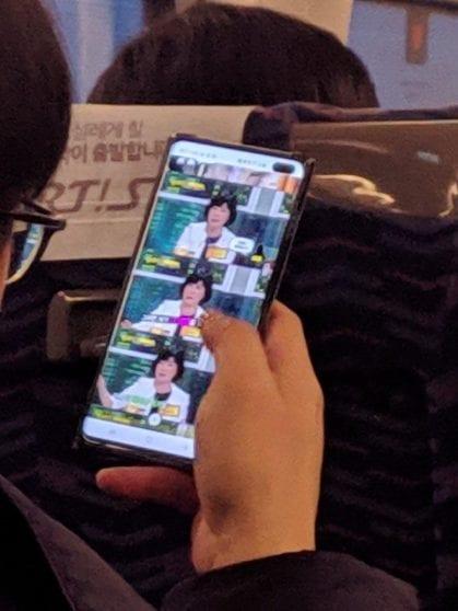 Samsung Galaxy S10+ appare in una foto dal vivo: confermati i render apparsi in rete