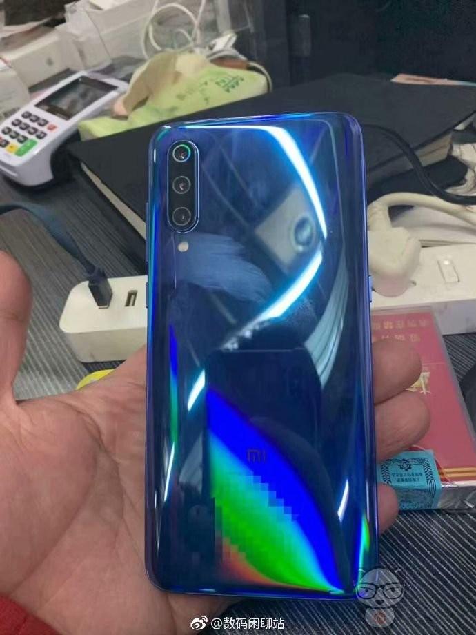 Xiaomi MI 9 immagini dal vivo (1)