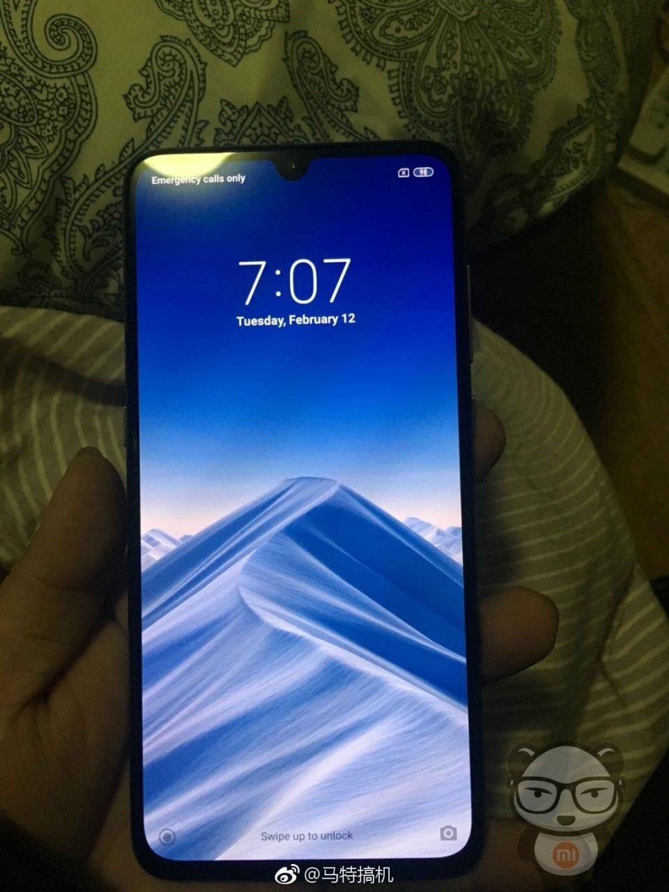Xiaomi MI 9 immagini dal vivo (3)