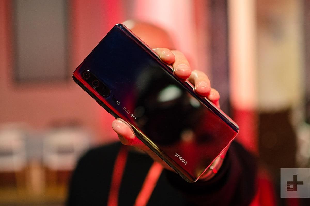 Huawei P30 svelato in alcuni scatti ad MWC 2019