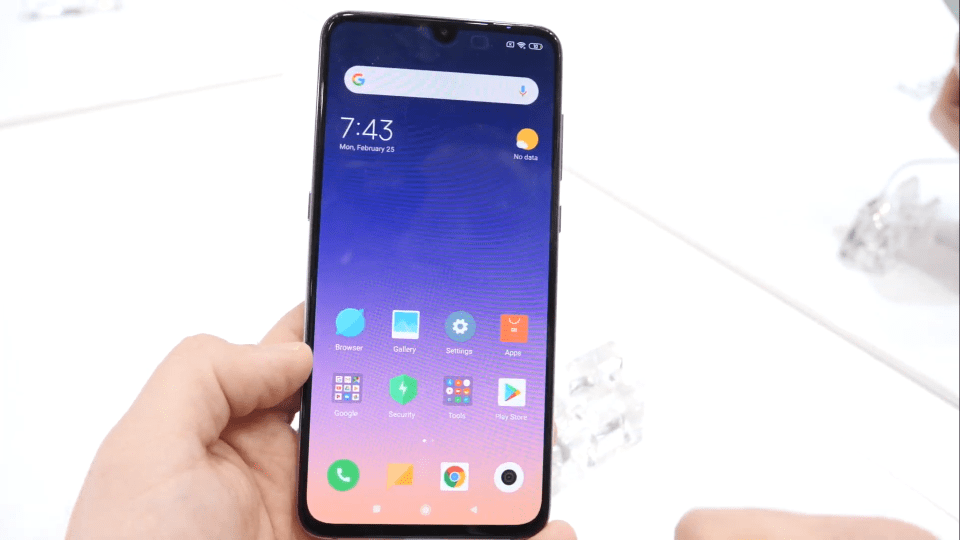 Xiaomi Mi 9 ha un ampio display AMOLED da 6,4 pollici | Evosmart.it