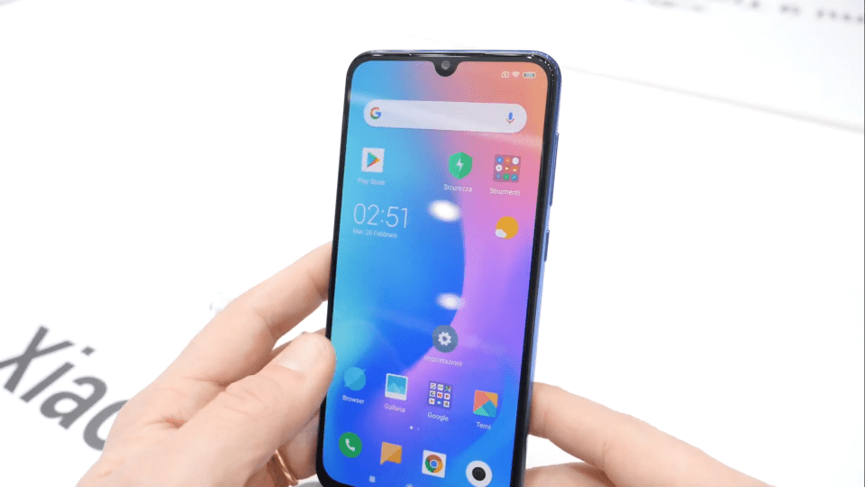 Xiaomi Mi 9 SE riprende il design di Mi 9 ma con un form factor compatto | Evosmart.it
