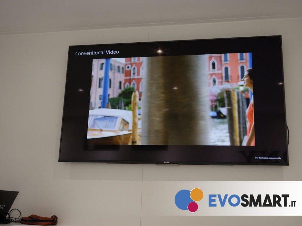 Dimostrazione di un video senza SteadyShot | Evosmart.it