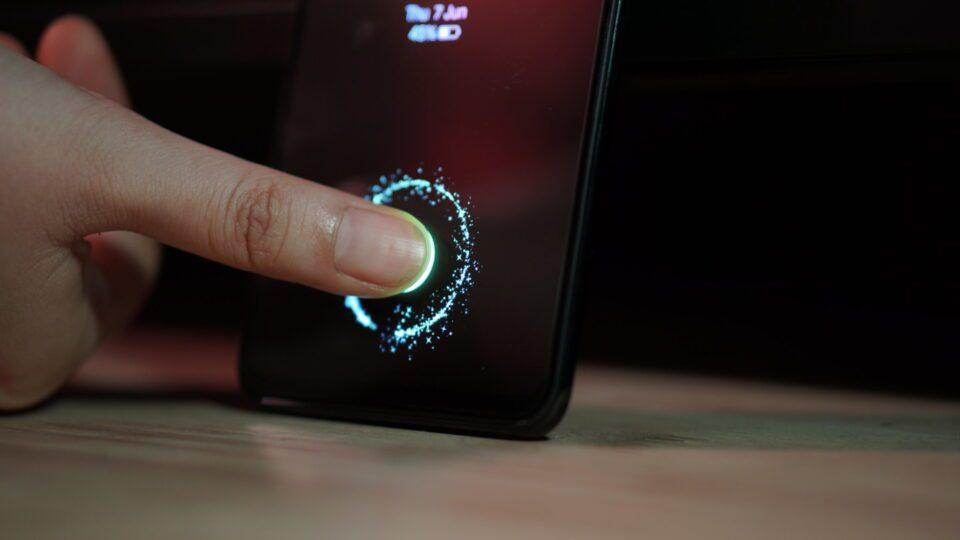 Lettore di impronte sotto un display LCD? BOE è pronta alla produzione di massa