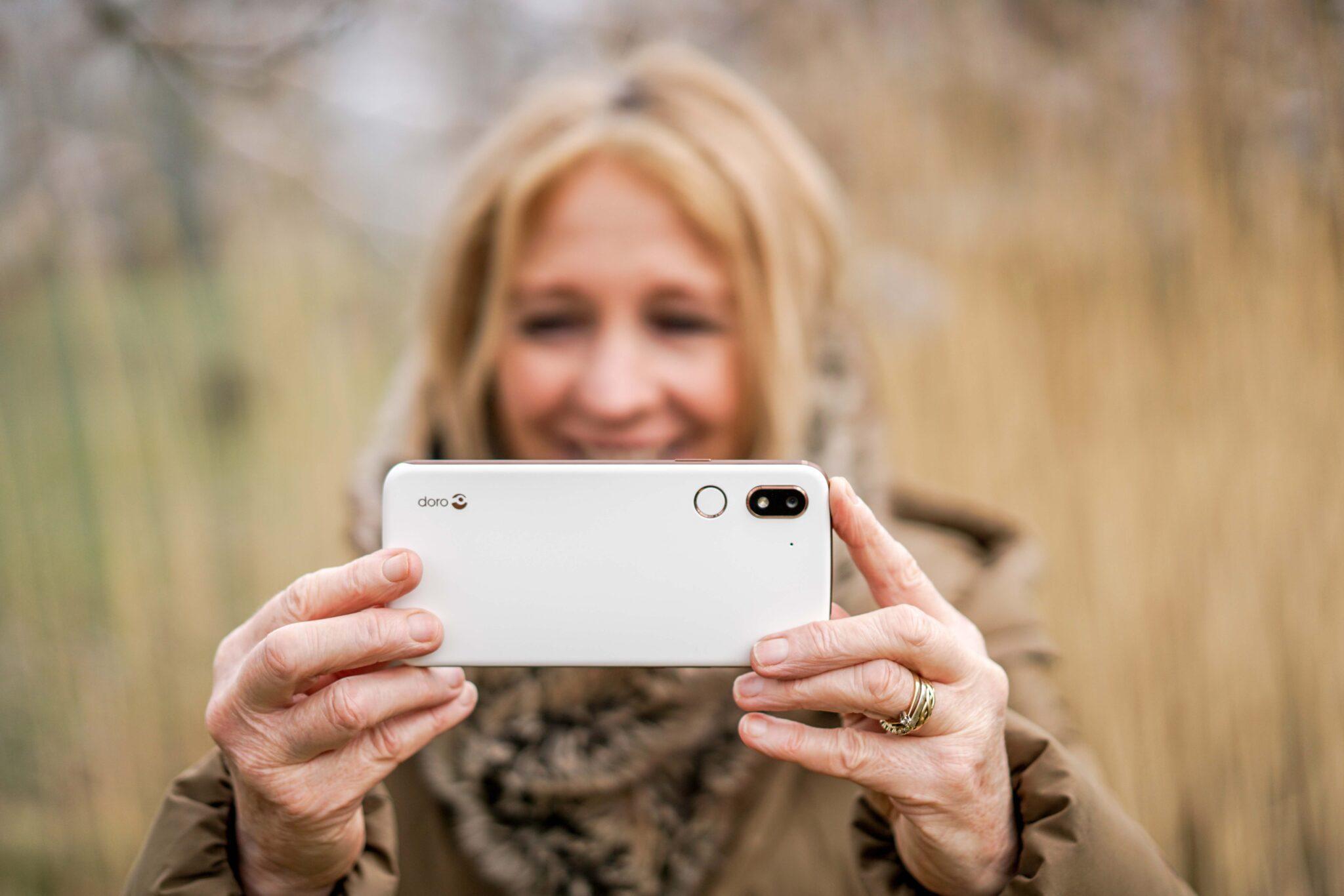 IFA 2019 | Doro presenta 8080, lo smartphone semplice ed intuitivo