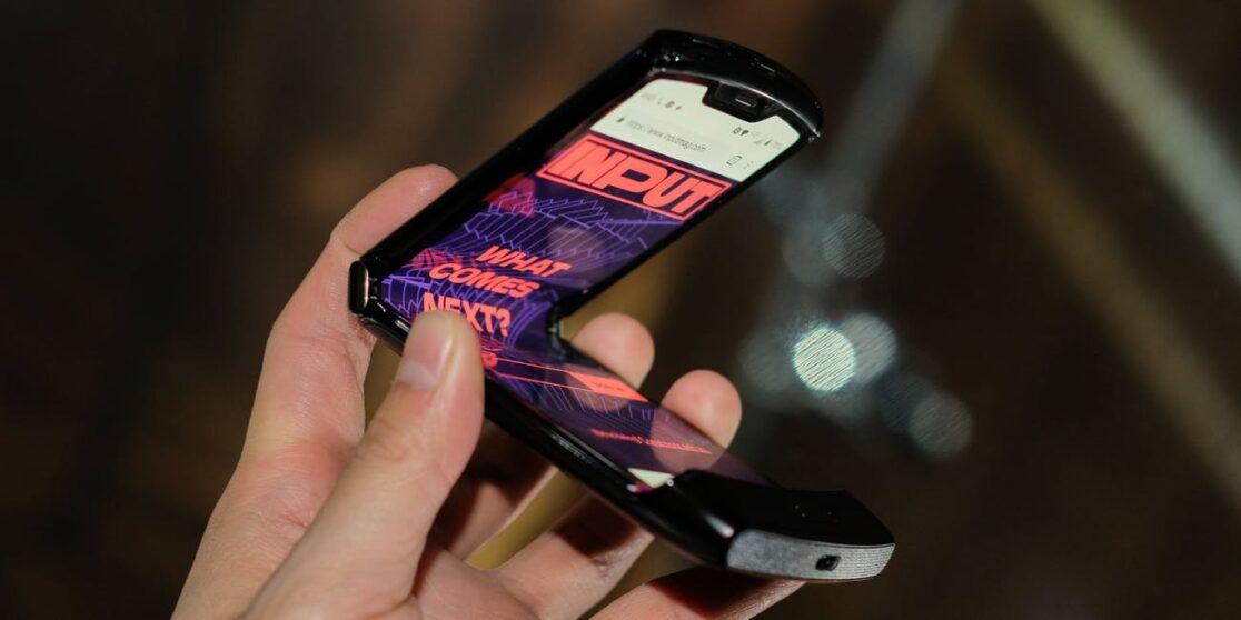Motorola RAZR disponibile in Italia da Gennaio grazie a TIM: ecco i prezzi