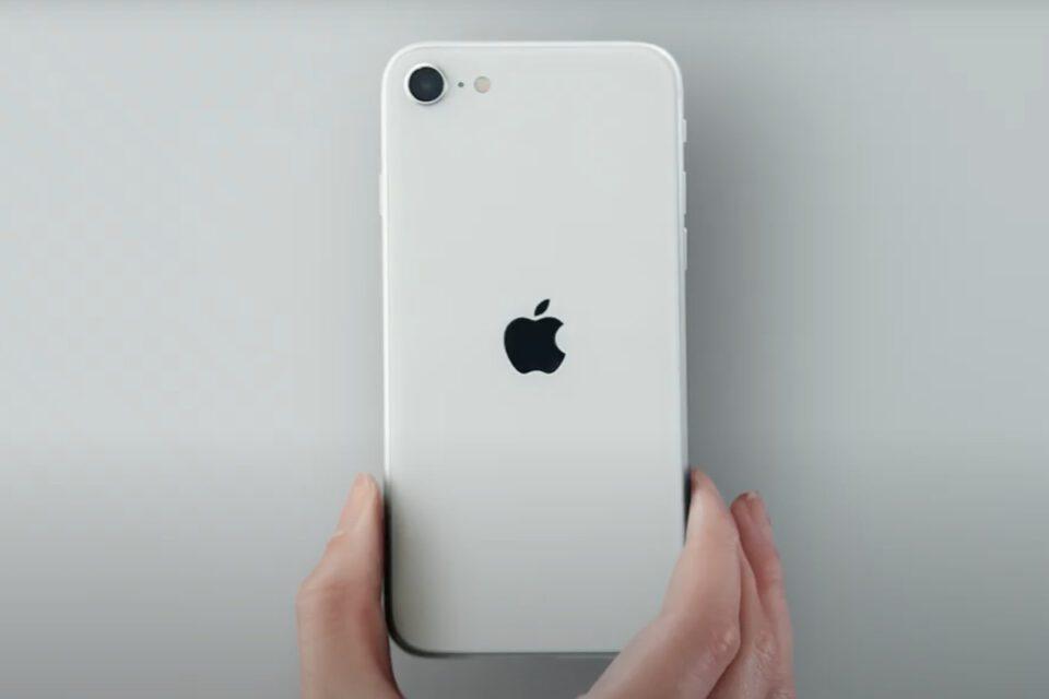 iPhone SE 2020 smontato: simile ad iPhone 8 anche all'interno