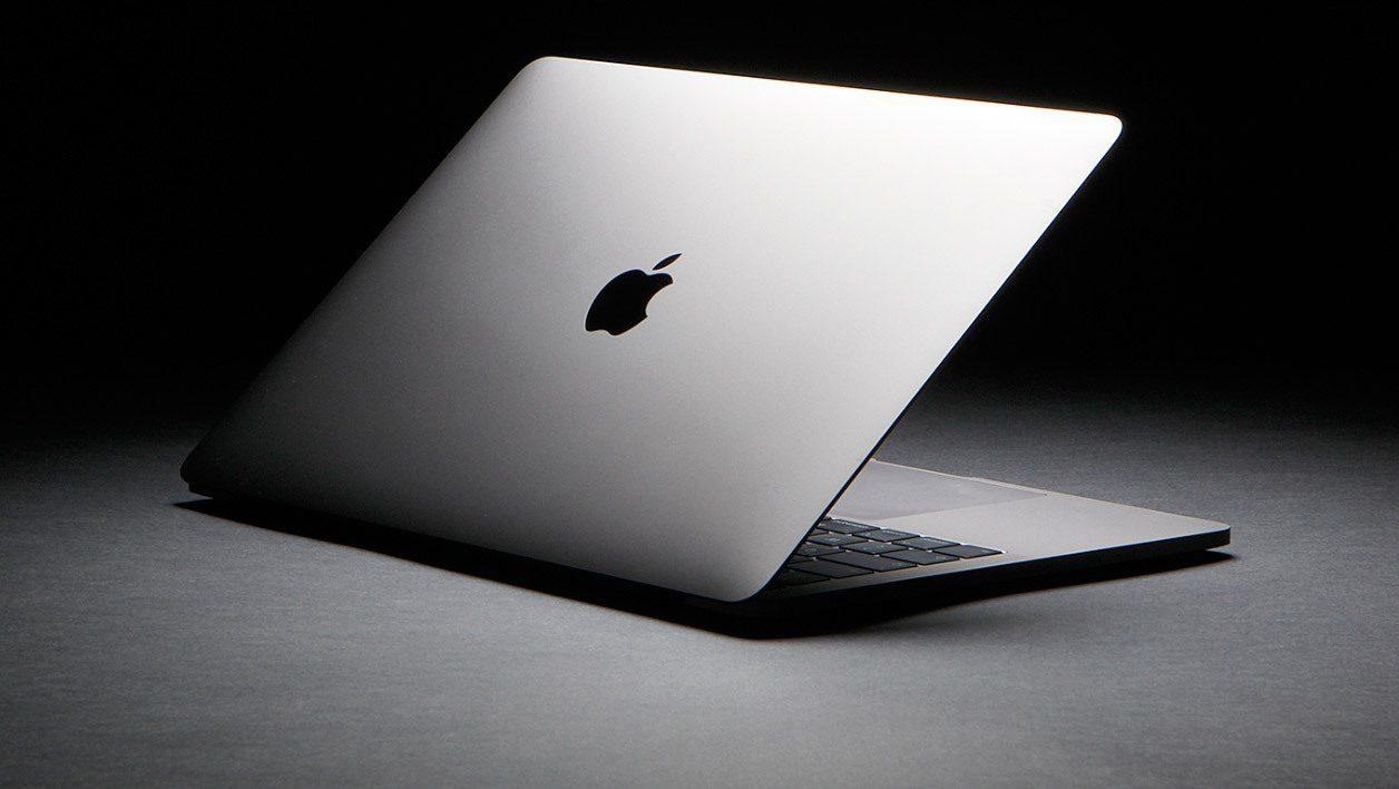 """MacBook Pro 13"""" si aggiorna: nuova tastiera e processori di 10° generazione"""
