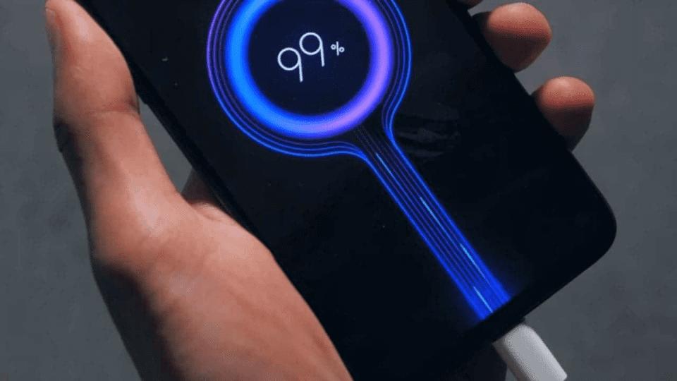 Xiaomi: inizia la produzione di massa per il caricabatterie da 100W