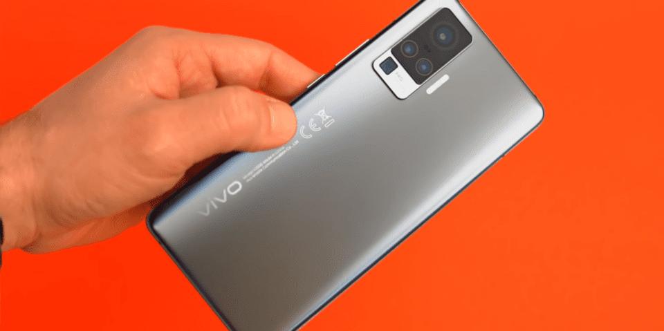 Vivo X51 5G: in fase di rollout l'aggiornamento ad Android 11