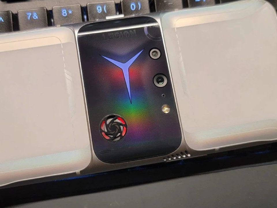 Lenovo Legion 2 Pro: il nuovo gaming phone nelle prime foto dal vivo